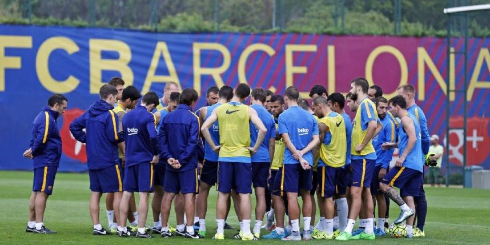 ¡Volvió! Tras dos semanas de baja, Neymar regresó a los trabajos del Barcelona. Foto:Vía facebook.com/fcbarcelona