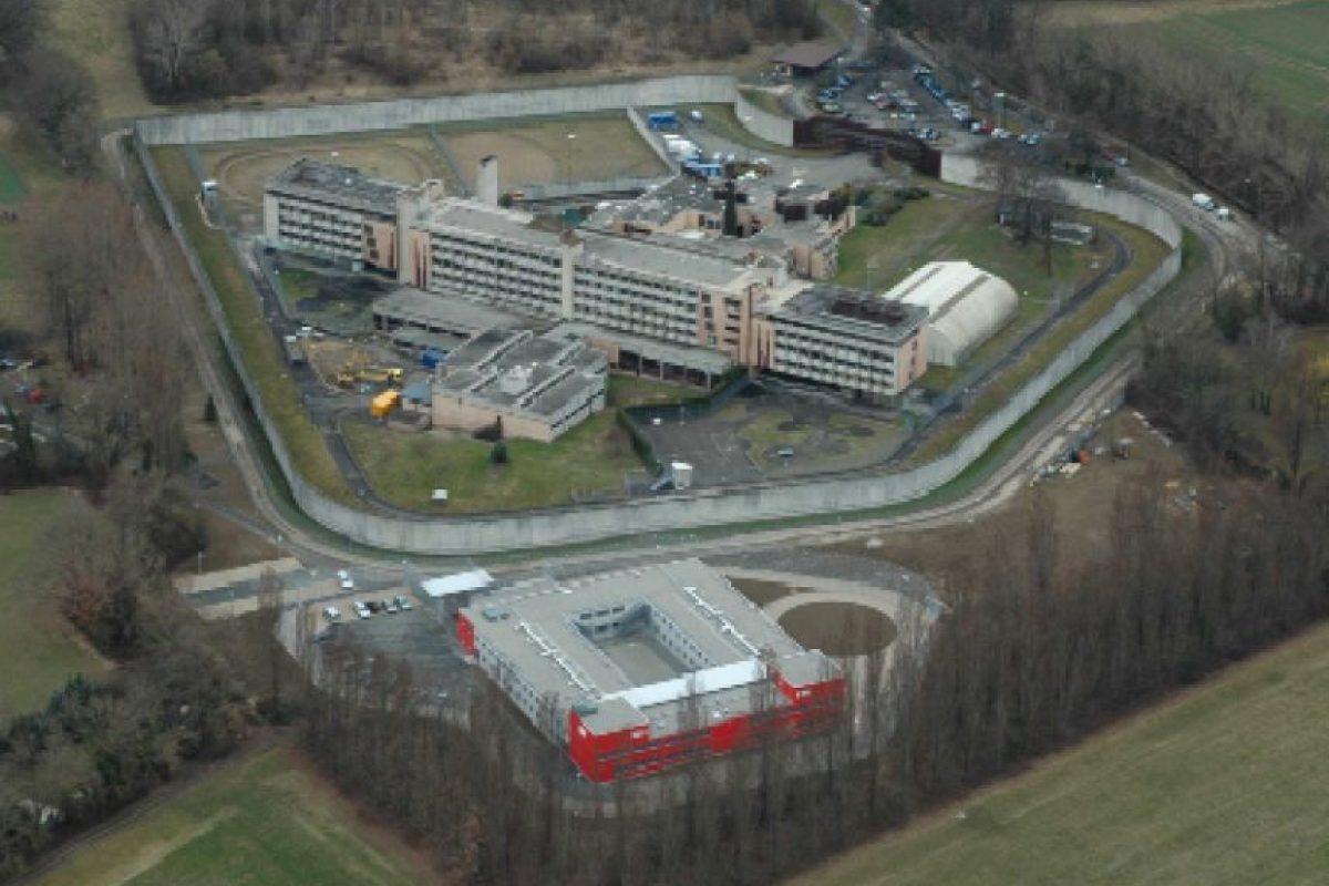 Tras una serie de disturbios y de sobrecupo, se destinaron 40 millones de euros para construir una nueva área, en la que cada preso tuviera su propia celda Foto:swissinfo.ch