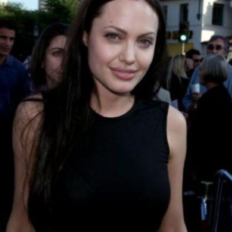 3. Angelina Jolie podría padecer cáncer y anorexia Foto:Getty Images