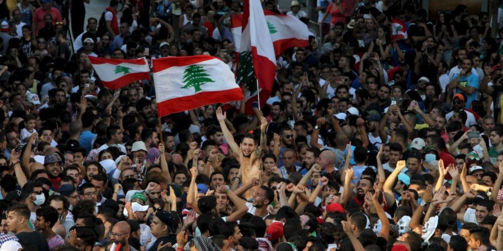 Miles de manifestantes se congregaron en el centro de Beirut Foto:AFP