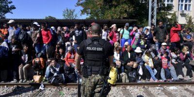 El periódico español El País informó que los propios inmigrantes pidieron ayuda. Foto:Getty Images