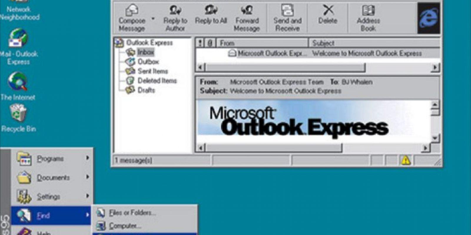 En 1995, Windows mutaría nuevamente de nombre para ver nacer el icónico Windows 95. El diseño rompió los esquemas existentes y revolucionó los diseños web para sistemas operativos Foto:windows.microsoft.com