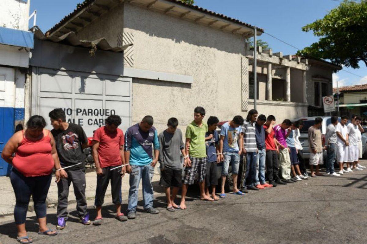 La pena máxima a la que se enfrentarán ahora los pandilleros será de 60 años de cárcel. Foto:AFP