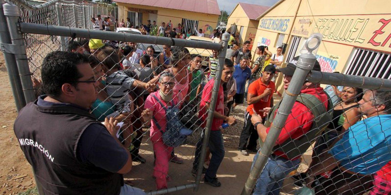 """Además de """"analizar la situación familiar antes de aplicar medidas de deportación, para garantizar la unión entre padres e hijos"""", esto, en el estado de excepción lanzado por Maduro durante el fin de semana. Foto:AFP"""