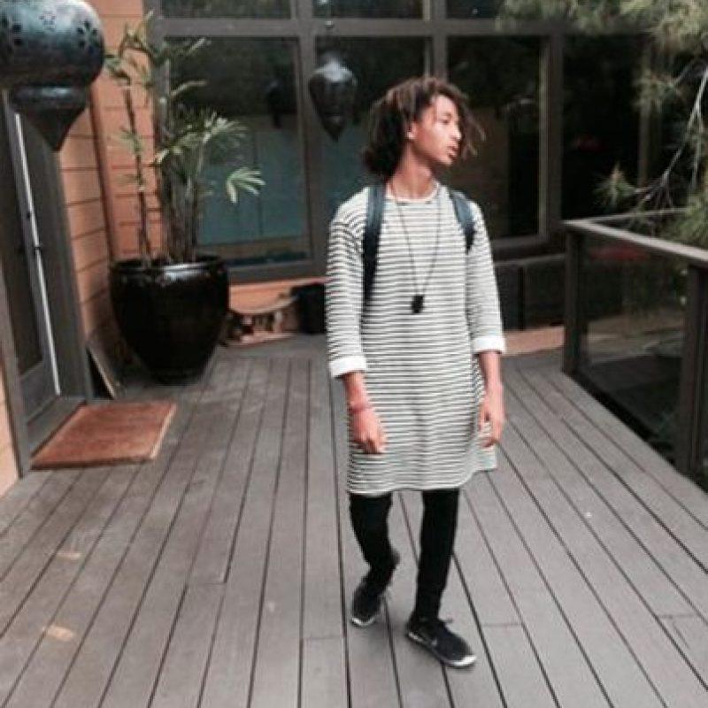 Jaden Smith, el hijo de Will Smith, impuso una moda que combina los estilos femeninos y masculinos. Foto:vía instagran.com/jadensmith