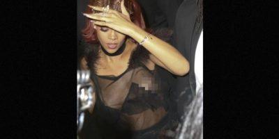 Rihanna sufrió un accidente de vestuario y enseñó más de lo que quería Foto:Grosby Group