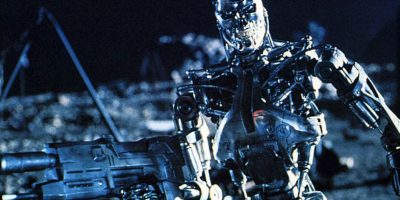 """Los ataques de máquinas han estado en el imaginario colectivo desde hace varios años. Por ejemplo en la película """"The Terminator"""", donde las maquinas buscan al líder humano para destruirlo a través de viajes en el tiempo Foto:James Cameron"""