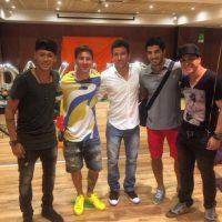"""Los invitados de """"honor"""" del festejo fueron Luis Suárez y Lionel Messi, compañeros de Neymar en el Barça. Foto:Vía instagram.com/felipemojave"""