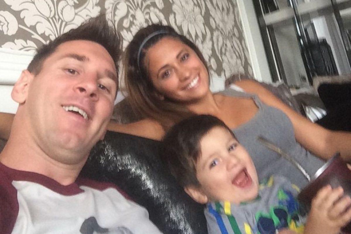 Su madre es Antonella Roccuzo, la pareja de toda la vida del argentino. Foto:Vía instagram.com/leomessi