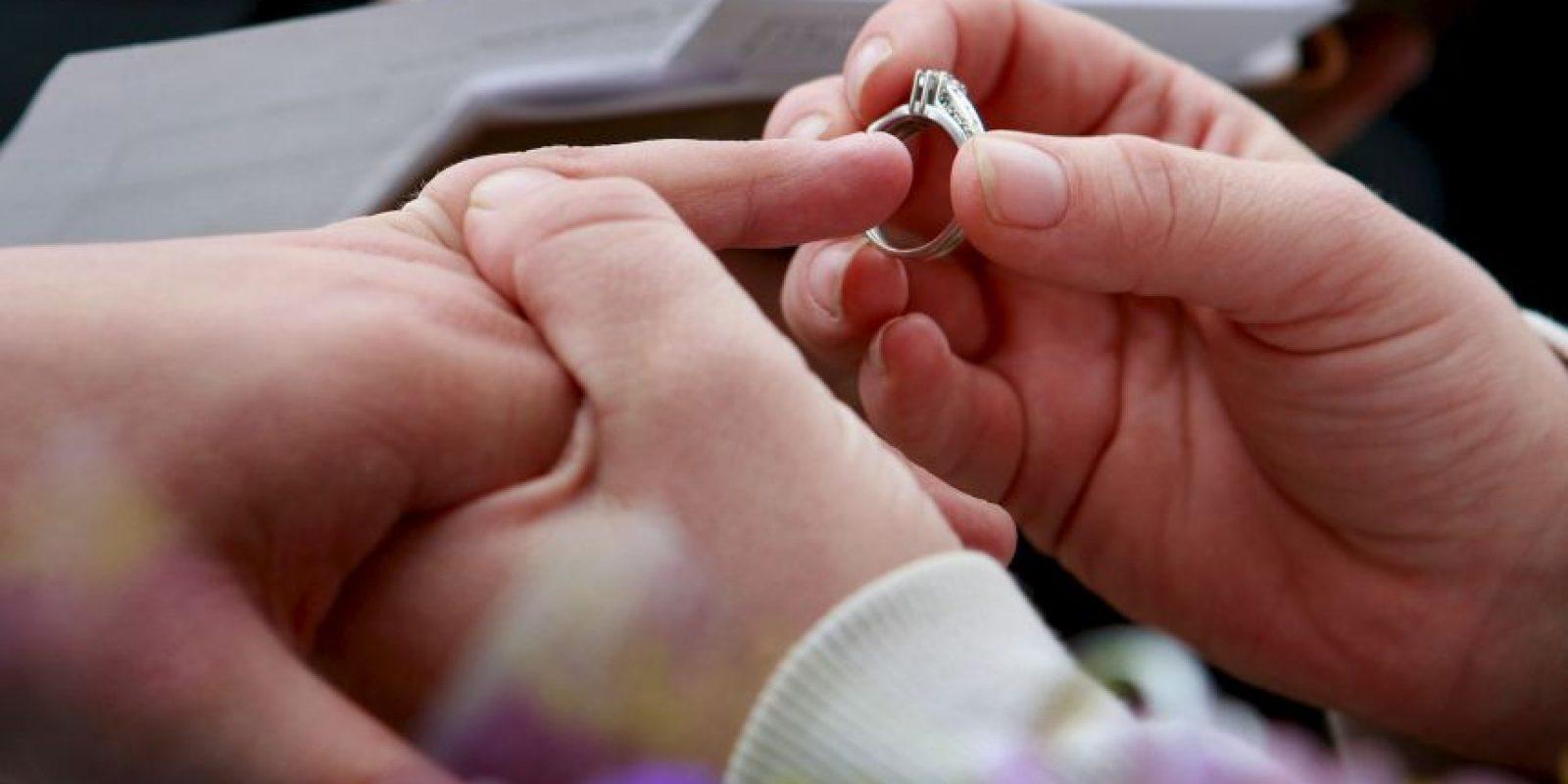 La familia de la adolescente había decidido vestirla de novia. Foto:Getty Images