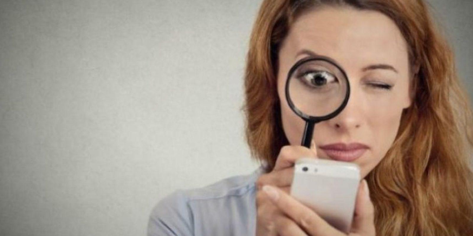 5. ¿Puede enterarse mucha gente de lo que publico en la intimidad? Existen sitios que sí guardan los mensajes que se intercambian diariamente, aunque otros no guardan conversaciones y solamente comparten la información que permiten los usuarios. Foto:Pixabay