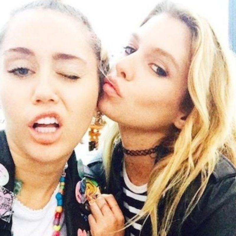 """En junio pasado, una fuente aeguró, al periódico """"New York Daily News"""", que Miley y Stella tenían un romance secreto. Foto:vía instagram.com/mileycyrus"""