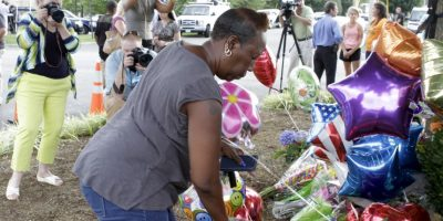 """""""¿Por qué lo hago? Dejé el depósito de un arma el 19 de junio de 2015. La matanza en la Iglesia de Charleston sucedió el 17 de junio de 2015"""", escribió Williams, refiriéndose a la matanza de nueve personas afroamericanas en Carolina del Sur, el cual fue perpetrado por Dylan Roof por motivos raciales. Foto:Getty Images"""