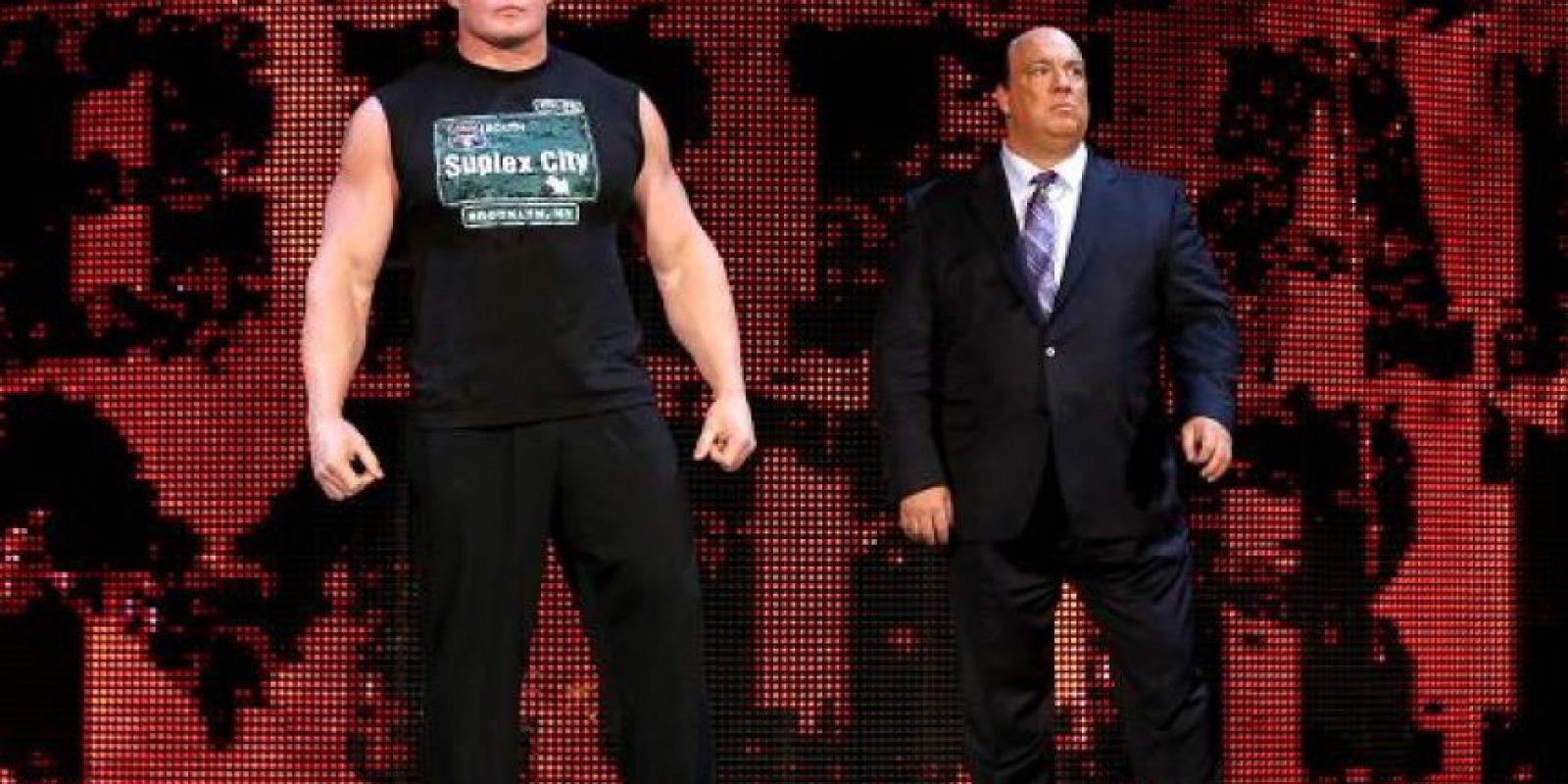Sin importar sus éxitos o fracasos no se ha despegado de Paul Heyman Foto:WWE