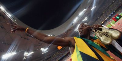 Video: Atropellan a Usain Bolt después de ganar los 200 metros