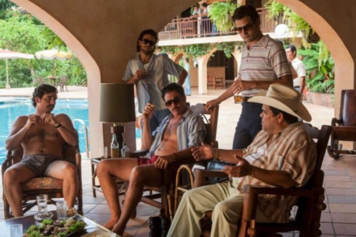 En la imagen se puede ver a Guzmán (con sombrero) en el papel del peligroso Gacha. Foto:vía instagram.com/robeurbina