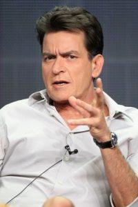 """""""Es un chaquetero y traidor"""", al referirse a su excompañero en la serie de tv, Jon Cryer. Foto:Getty Images"""