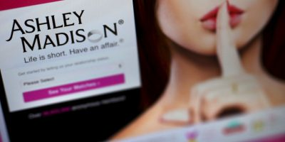 "CEO de ""Ashley Madison"" renunció a su cargo después de ciberataque"