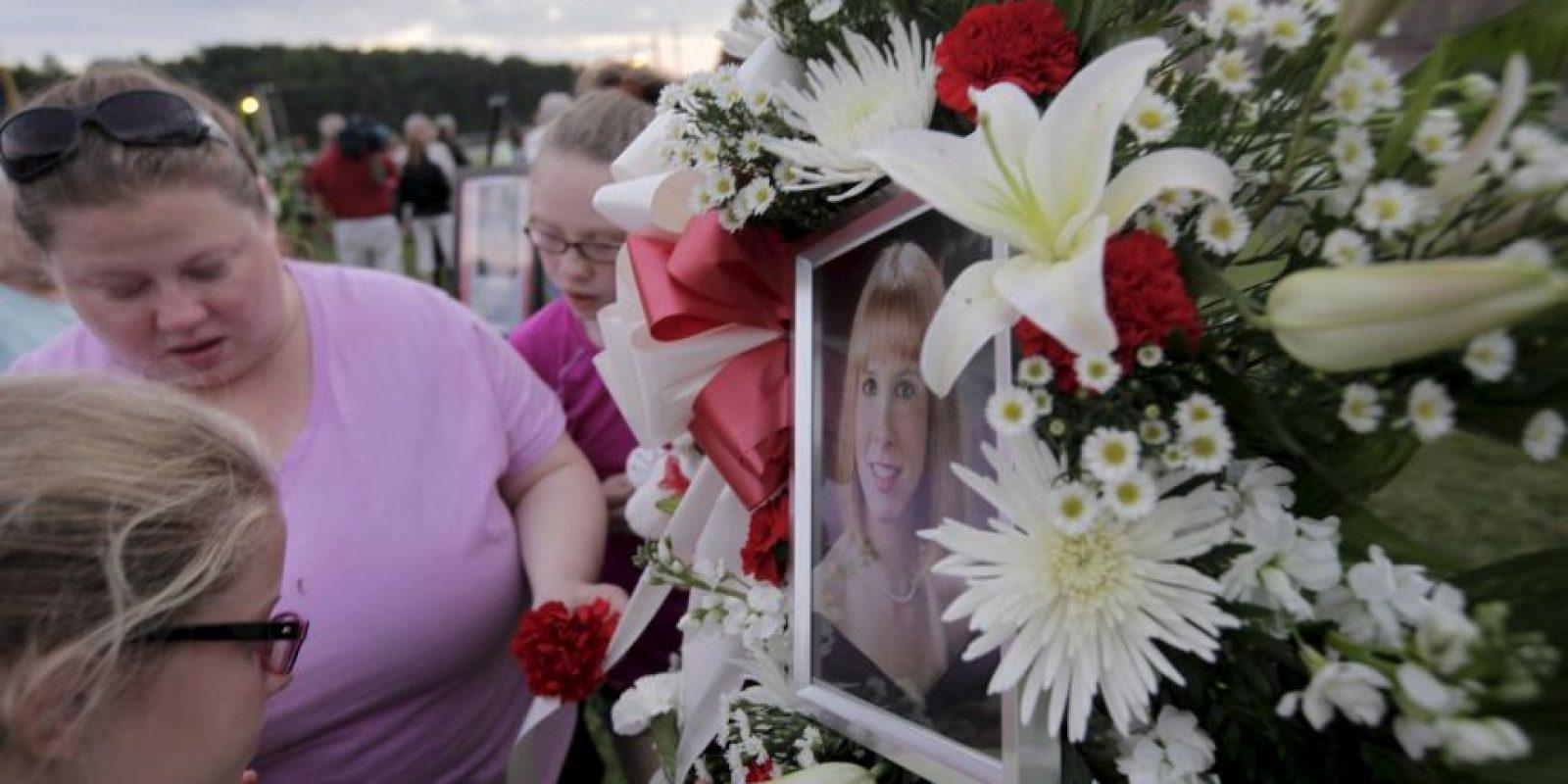 La gente manifestó de distintas maneras la perdida de los dos comunicadores. Foto:AFP