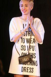 Un vestido de Moschino no falla. Foto:vía Getty Images