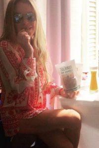 En su viaje, Lindsay se comportó de una manera muy extraña. Foto:Instagram/lindsaylohan