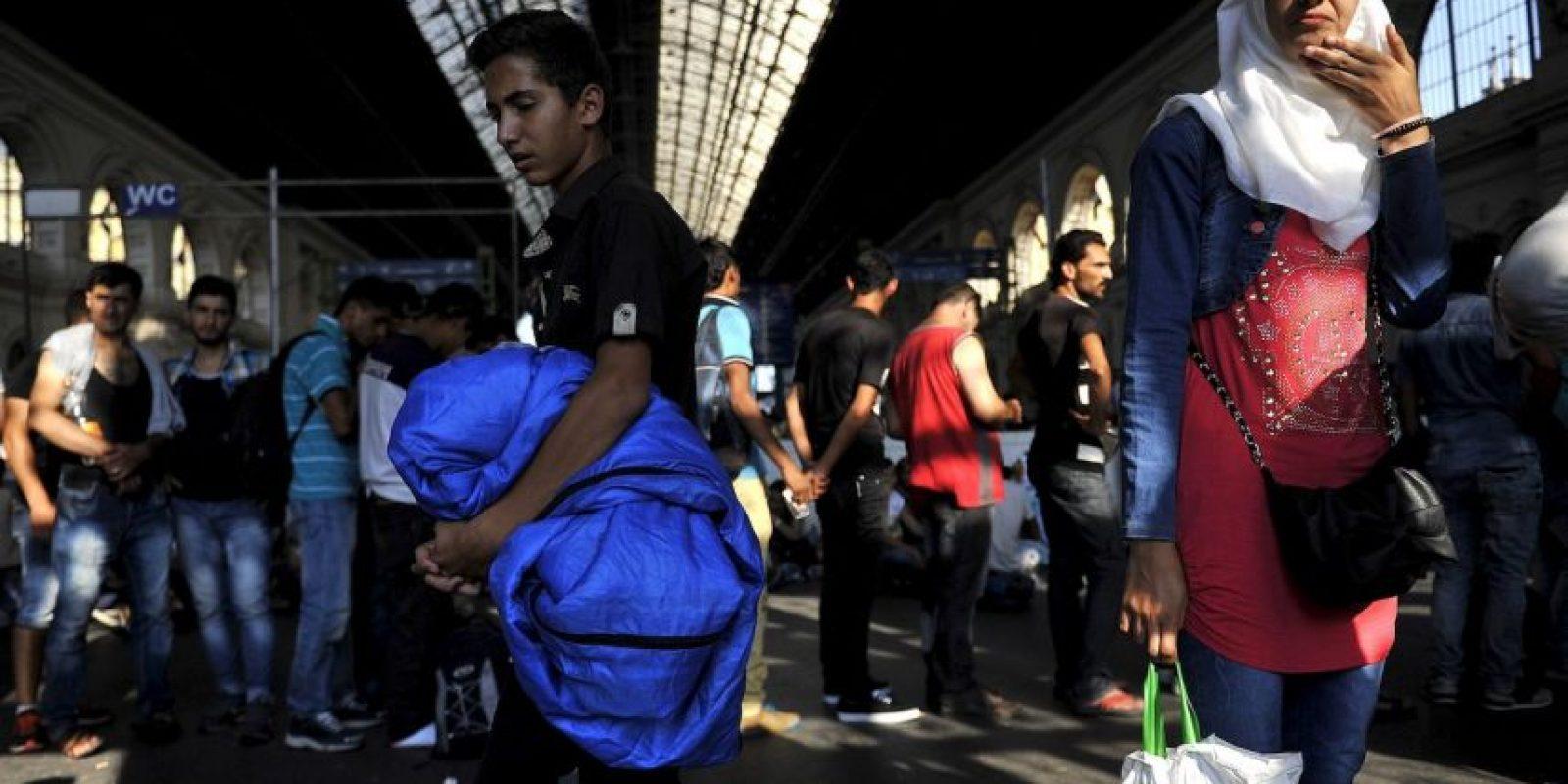 """6. """"Es inaceptable que en el siglo XXI la gente que huye de conflictos, persecuciones, la miseria y la degradación de la tierra deba soportar tales experiencias terribles en sus países de origen, por no hablar del camino, y luego morir a las puertas de Europa"""", dijo el Director General de la OIM, William Lacy Swing. Foto:AP"""