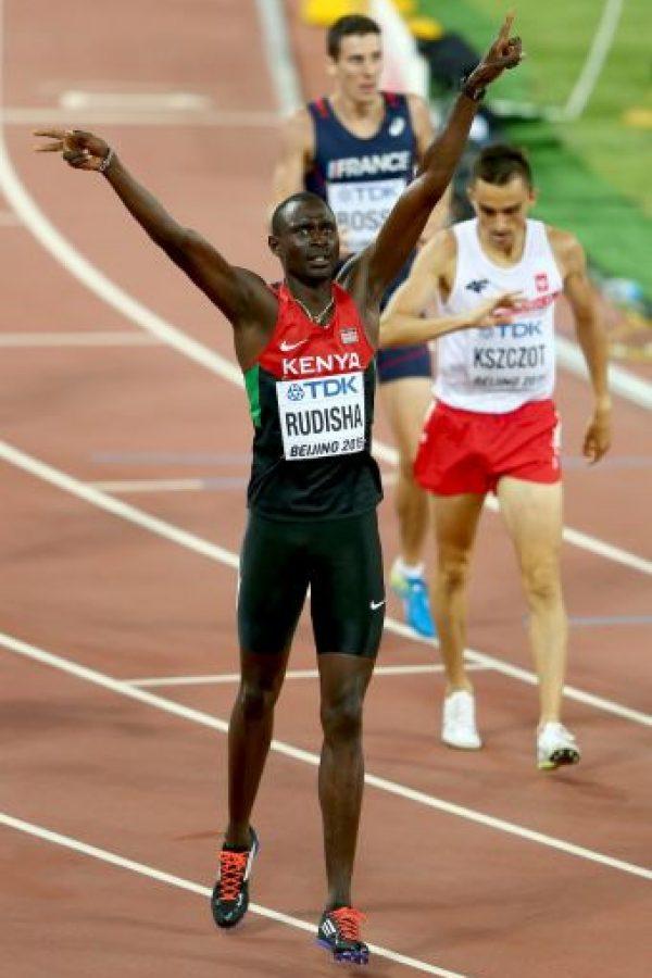 El keniano subió a lo más alto del podio en los 800 metros. Finalizó en un minuto, 45 segundos y 84 centésimas de segundo Foto:Getty Images