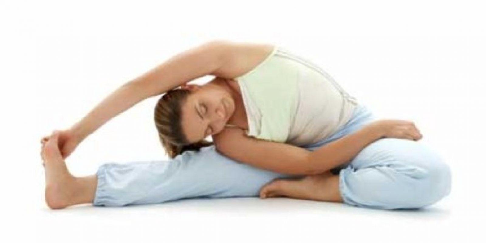 Ejercitar el cuello de un lado a otro y de arriba a bajo son ejercicios ideales. Foto:Tumblr