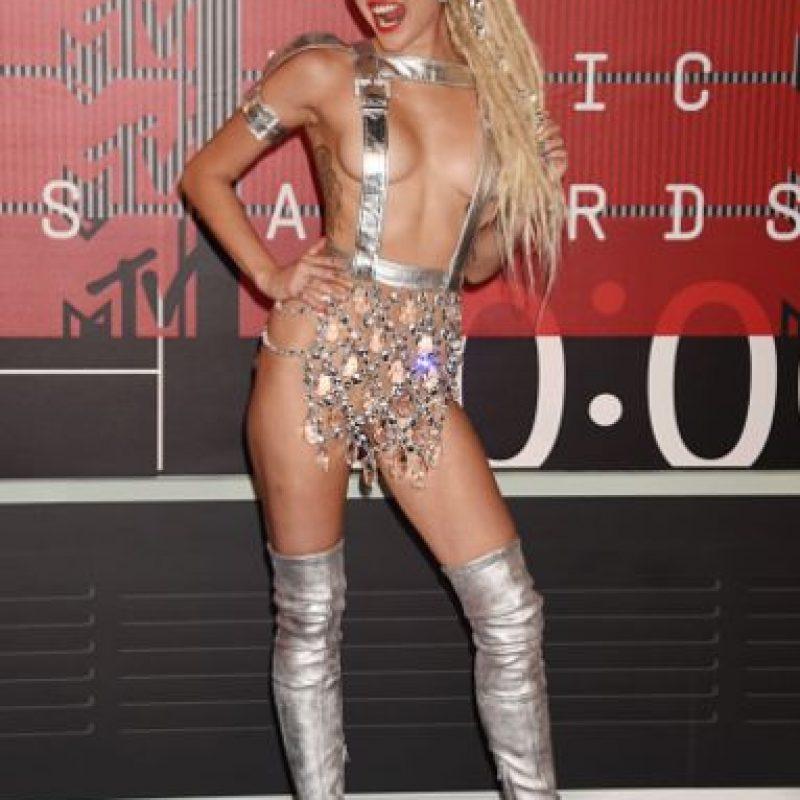 ¿Esto es lo peor que ha podido lucir Miley Cyrus? Foto:vía Getty Images