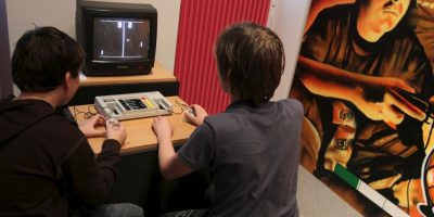 La sincronización entre los sentidos y la pantalla es la parte esencial de las consolas de videojuegos. Foto:Getty Images
