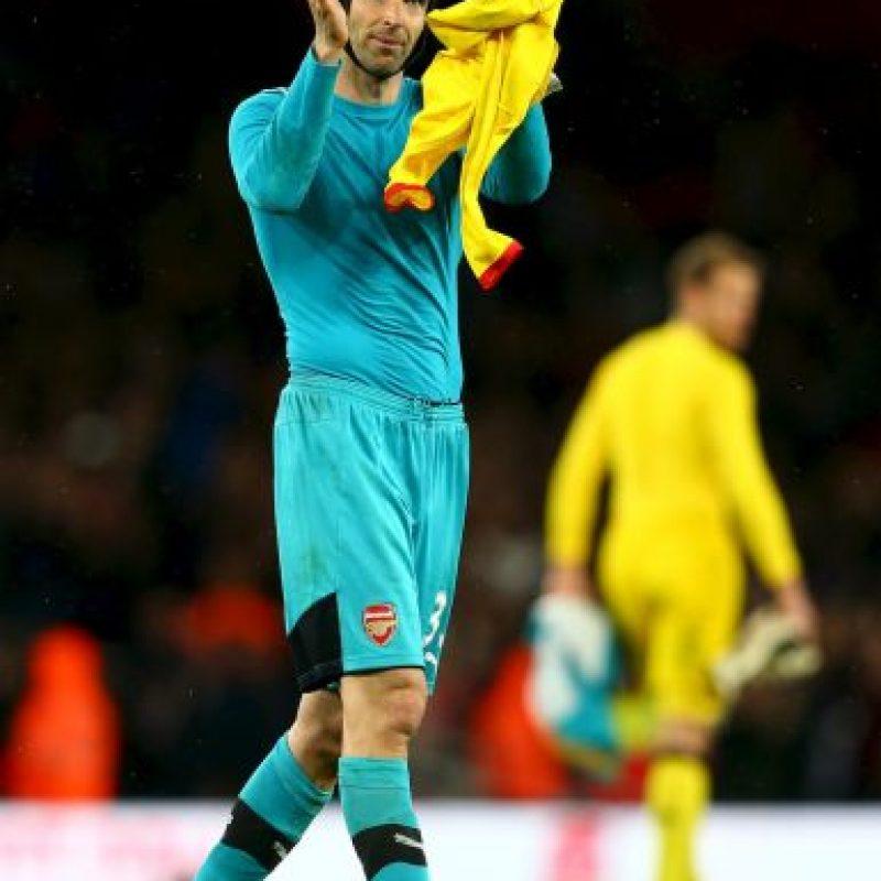 Después de defender la portería del Chelsea por 10 años, el Arsenal pagó 14 millones de euros para hacerse con sus servicios Foto:Getty Images