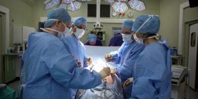 No todas las personas que fallecen pueden ser donadoras de órganos. En el caso de las personas que fallecen por muerte encefálica –cuando el tallo cerebral deja de recibir sangre- se pueden donar todos sus tejidos y órganos (corazón, riñones, hígado, pulmones, páncreas, córneas, etc). Foto:Getty Images