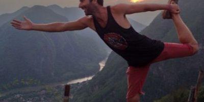 Este monje budista encontró un iPod y ahora es adicto a los selfies