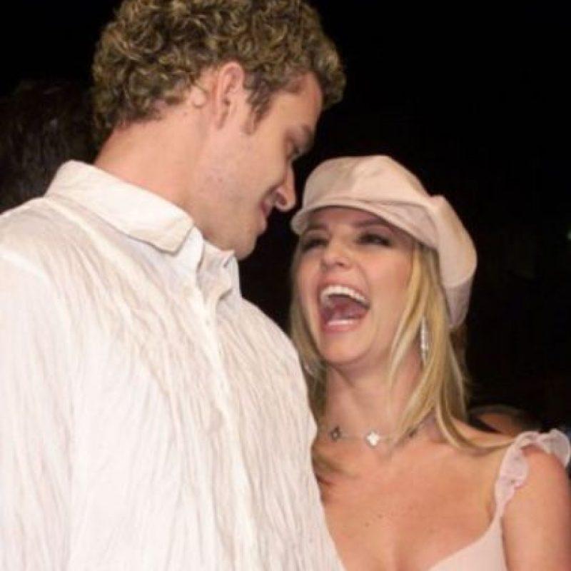 La gran pareja de Spears con Justin Timberlake terminó con una posible infidelidad de parte de ella. Según los rumores hablaban de un encuentro con Ben Affleck. Foto:vía Getty Images