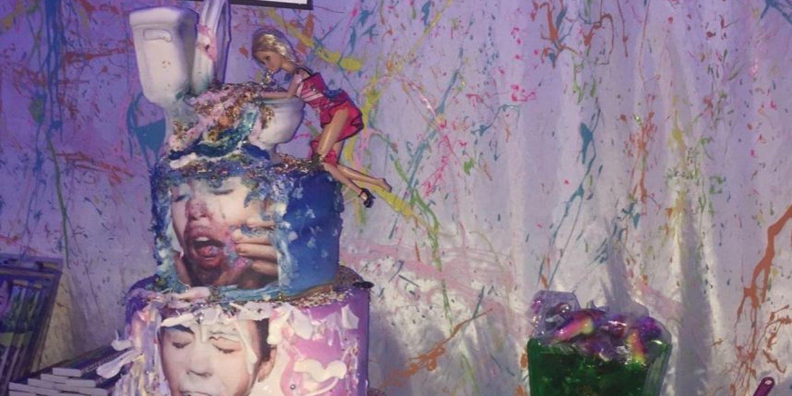 Este fue al paste de Miley en su fiesta Foto:Vía instagram.com/mileycyrus/