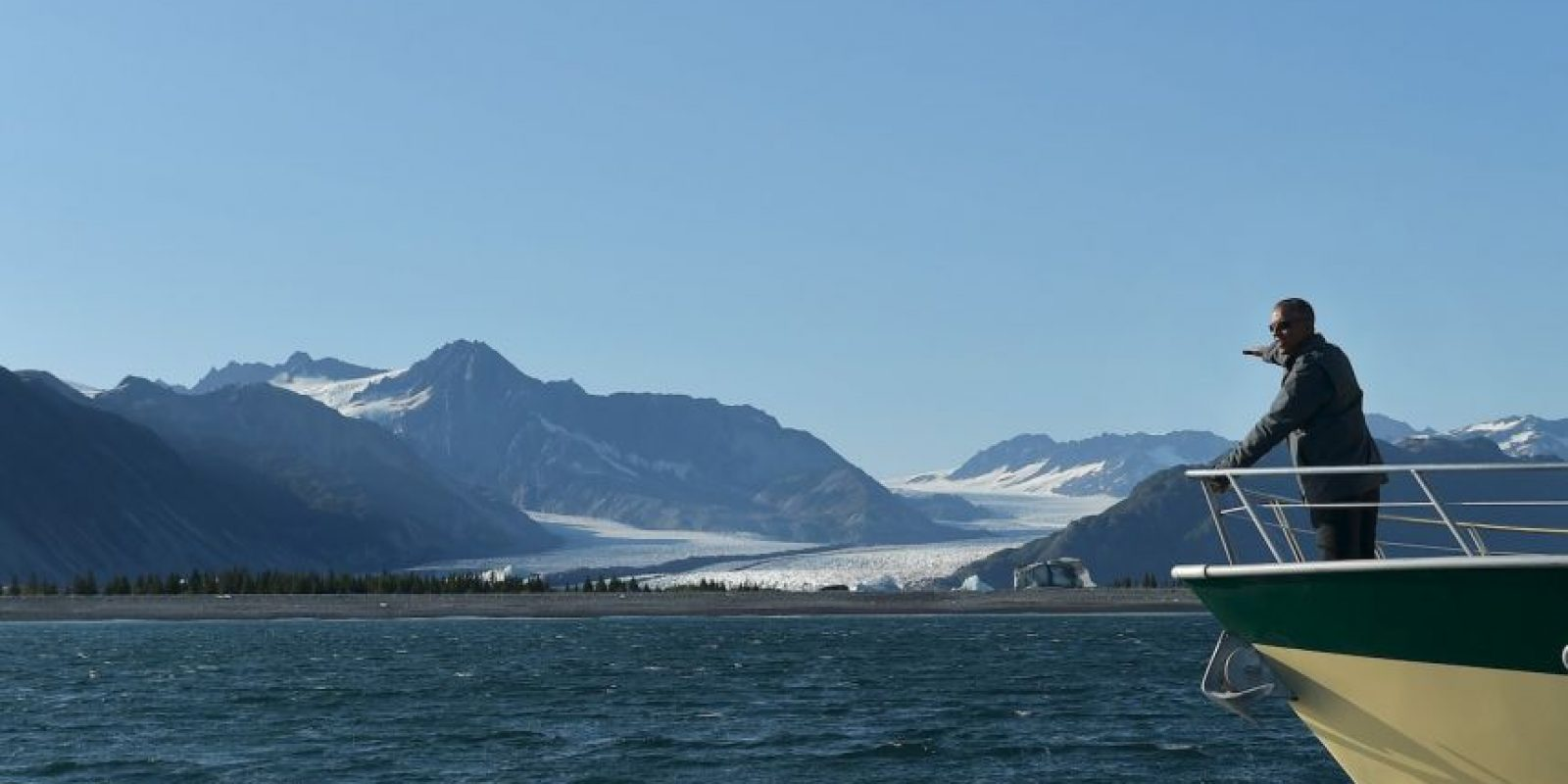 El presidente visita Alaska con la intención de crear conciencia sobre los efectos del cambio climático en la región. Foto:AP