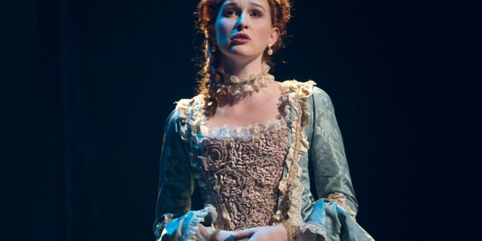 """Después de """"Juego de Gemelas"""" terminó la escuela y comenzó con su carrera en Broadway. Foto:Amazinggracemusical.com"""