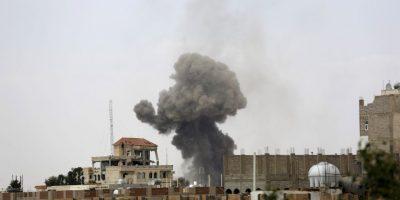 Mueren 20 personas al explotar mezquita en Yemen
