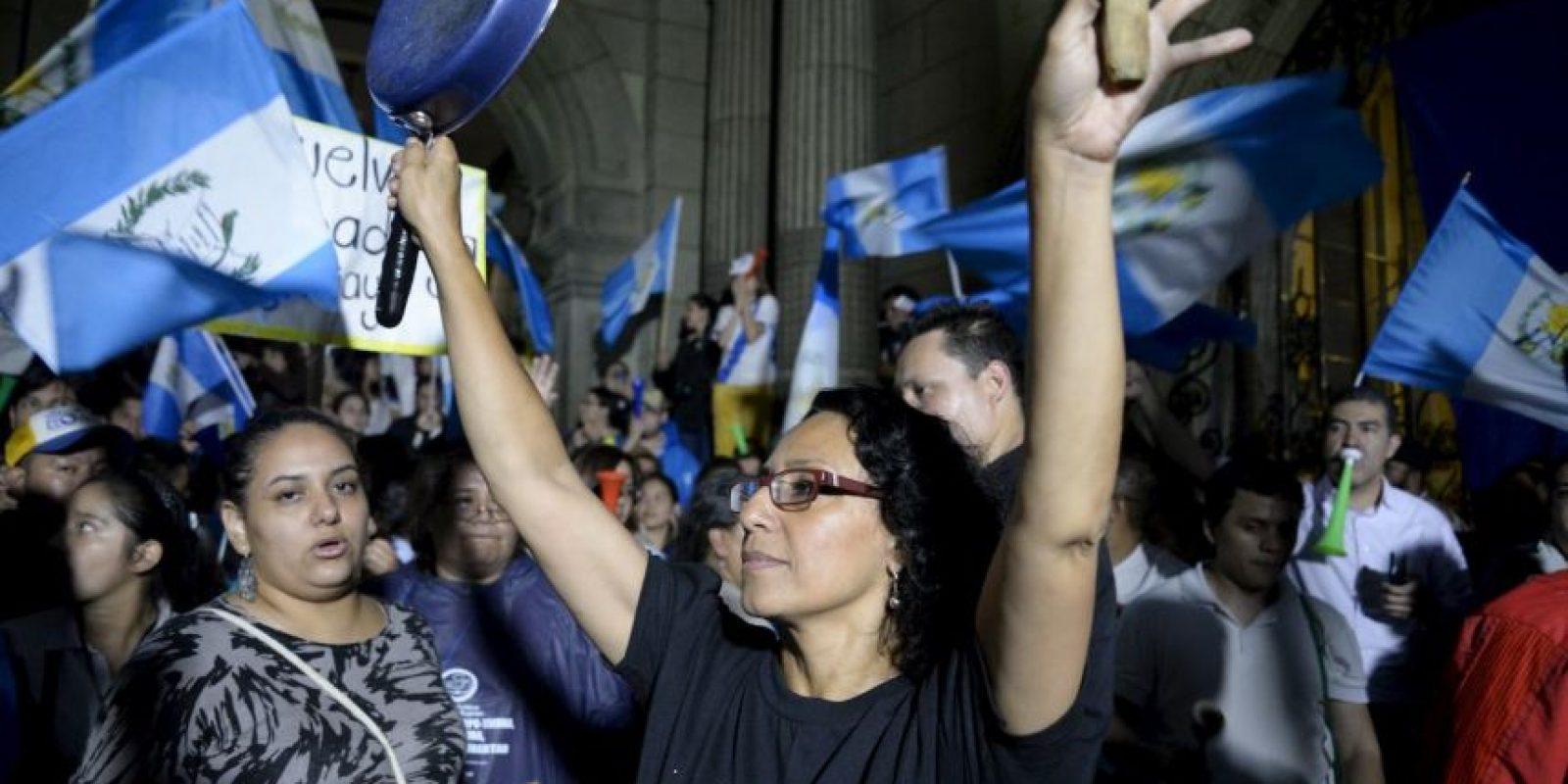 """""""La inestabilidad política en un régimen democrático se construye por estos errores"""", explica Salvador Mora Velázquez en referencia al escándalo presidencial. Foto:AFP"""