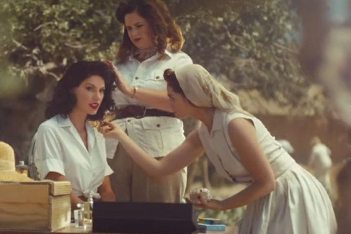 Durante el video, la cantante se muestra rodeada de lujos Foto:YouTube/TaylorSwiftVEVO