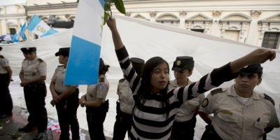 También se estableció una medida de arraigo para que Pérez Molina no pueda salir del país. Foto:AP