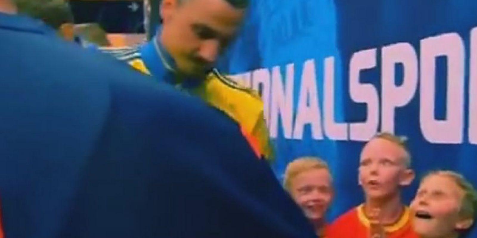Este par de niños quedaron impactados con Zlatan Ibrahimovic Foto:Twitter