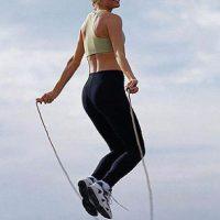 Saltar la cuerda. Uno de los ejercicios favoritos de los boxeadores ayuda a quemar hasta mil calorías en una hora Foto:Flickr.com