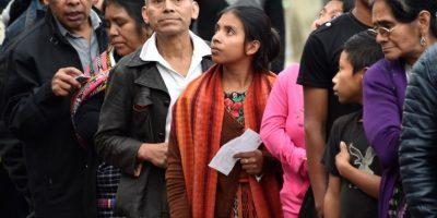 Los ciudadanos reciben cuatro boletas de diferentes colores. Foto:AFP