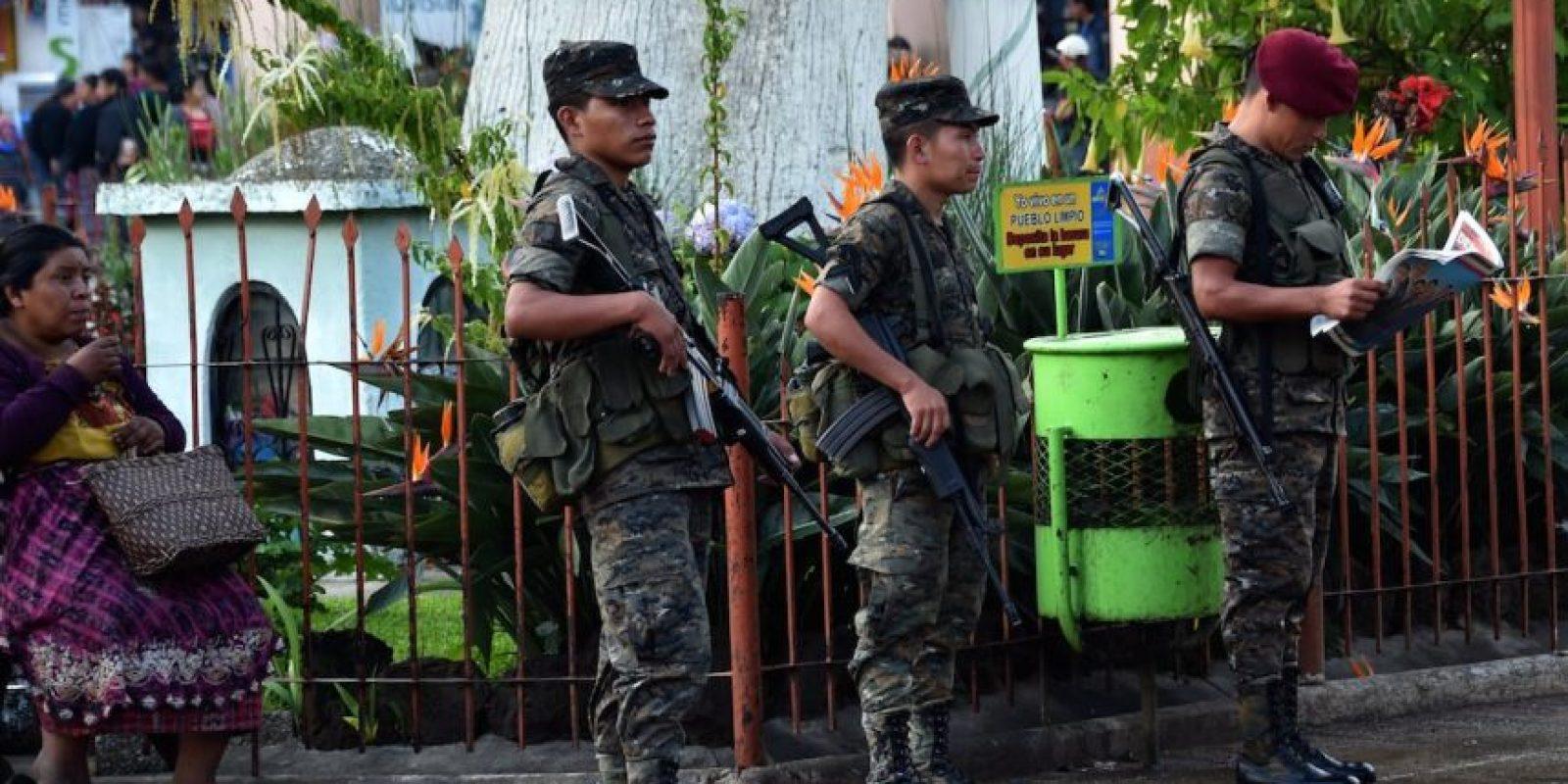 El ejército y la policía vigilan los comicios. Foto:AFP