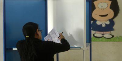 Si eso no sucede, habrá una segunda ronda el 25 de octubre entre los dos aspirantes más votados. Foto:AFP