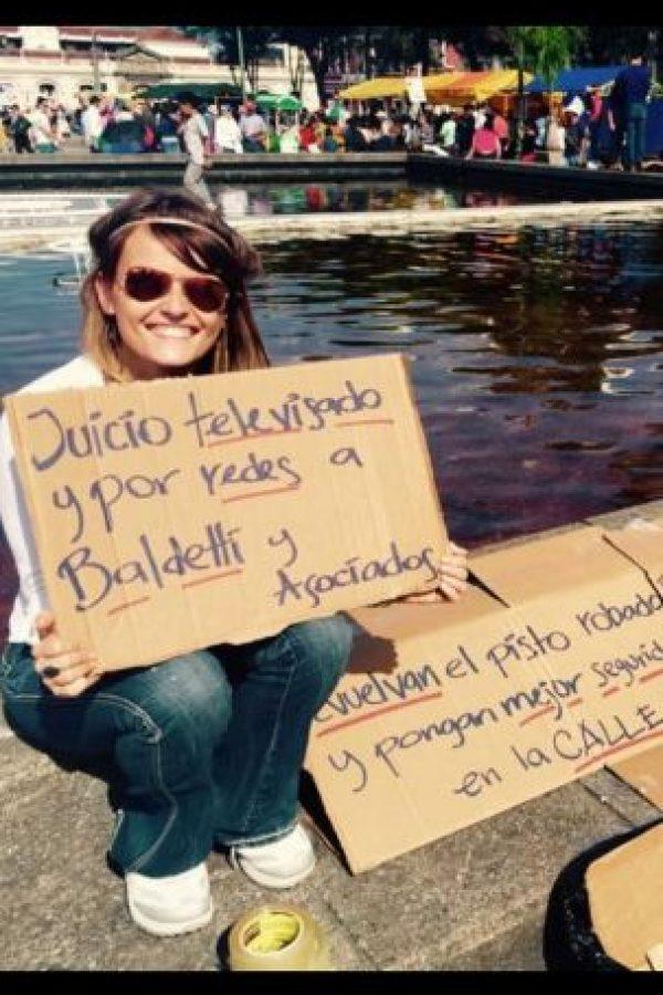 """Tiene un programa de radio llamado """"Viernes de Gloria"""" Foto:Facebook.com/GloriaAlvarez"""