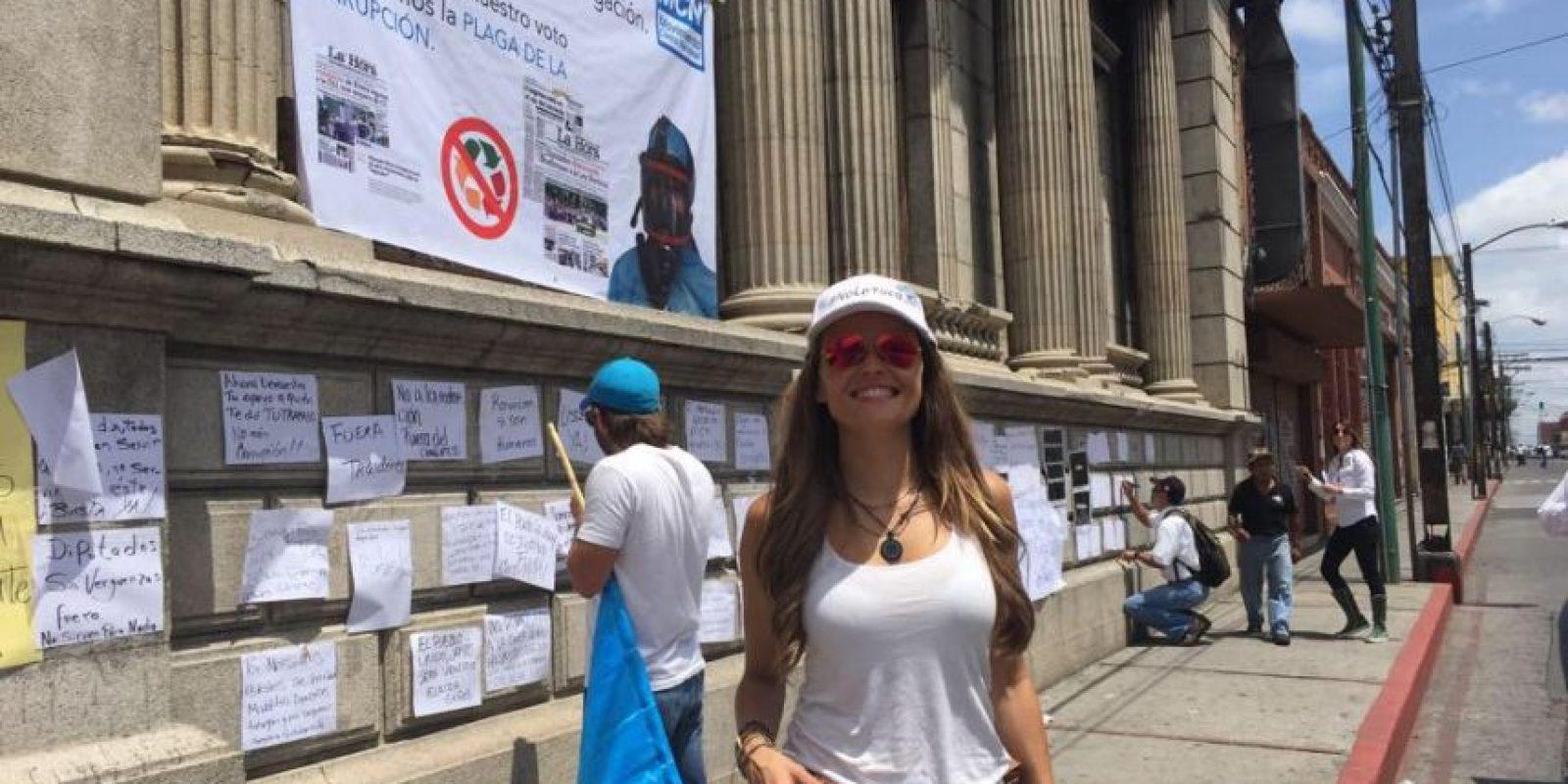Pueden seguirla en Twitter en @CrazyGloria Foto:Facebook.com/GloriaAlvarez