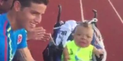 Video: El enternedor gesto de James Rodríguez con un hincha