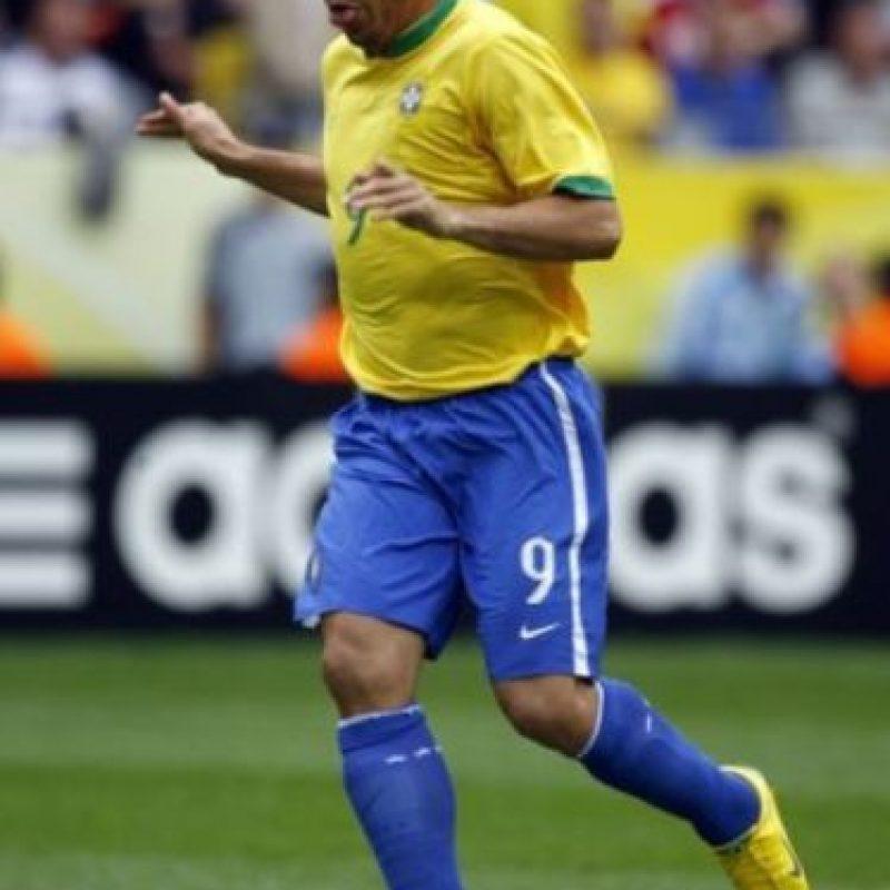 De acuerdo con el diario Marca, en 2011 Ronaldo confesó que durante la Copa América 1997 salió de fiesta con Romario y tuvo relaciones sexuales con mujeres durante la concentración brasileña. Foto:Getty Images